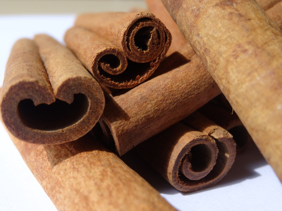 How Cinnamon Lowers Cholesterol